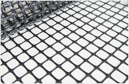 分析使用塑料土工格栅的优势之处